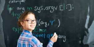 Estas son las razones por las que los niños y jóvenes deberían aprender sobre programación de computadoras
