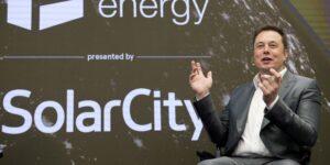Elon Musk defenderá en los tribunales la adquisición de la empresa de sus primos, SolarCity, por parte de Tesla —la demanda podría costarle 2,000 mdd