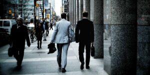 Poco más del 6% de los trabajadores en Estados Unidos renunciaría a su trabajo si se les pide volver a la oficina los 5 días de la semana, según un estudio