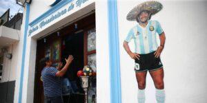 Iglesia en honor a Maradona abre sus puertas en México