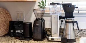 Así es la forma correcta de limpiar tu cafetera eléctrica para evitar que acumule moho y cal
