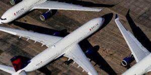 Delta Air Lines se niega a usar el nombre de la variante delta del Covid-19 —'Simplemente lo llamamos la variante'