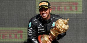 Lewis Hamilton sufre de abusos racistas en línea tras el choque de Max Verstappen durante el GP de Gran Bretaña