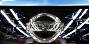 Padre e hijo estadounidenses cumplirán condena por ayudar al exjefe de Nissan Carlos Ghosn en su dramática fuga de Japón en un palco