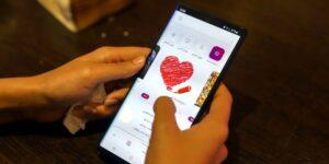 Irán lanza app de citas para fomentar el matrimonio entre sus jóvenes