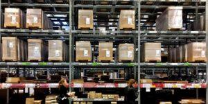 Un informe sitúa a Walmart, Ikea y Amazon entre las empresas que más contaminan debido al transporte marítimo
