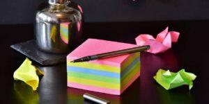 Por qué las notas de agradecimiento escritas a mano son buenas para mantener un equipo feliz, según un experto