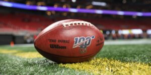 Los equipos de la NFL perderán partidos esta temporada si no pueden jugar por un brote de Covid-19 entre jugadores no vacunados