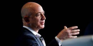 Jeff Bezos ofrece cubrir miles de millones en costos si la NASA le permite a Blue Origin competir nuevamente con SpaceX por un contrato de módulo de aterrizaje lunar