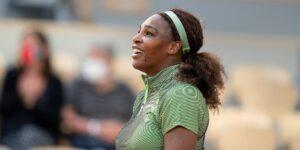 «Tenemos que apoyar a nuestras chicas»: Serena Williams habla de su nuevo anuncio de los Juegos Olímpicos y de cómo las jóvenes están abandonando el deporte