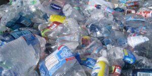 Científicos desarrollan un método capaz de transformar el plástico en proteínas comestibles mediante el uso de bacterias