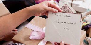 4 maneras de gastar los regalos en efectivo para convertirlos en más dinero