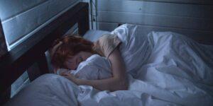 Descubre cómo la melatonina controla tu ciclo de sueño