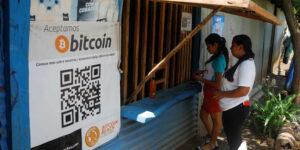 Bitcoin impulsaría la economía de El Salvador reduciendo el costo de remesas y aumentando los negocios con EU, según reporte