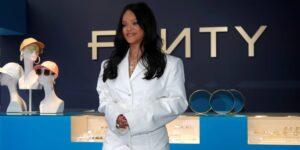 Rihanna es oficialmente multimillonaria gracias a su imperio de moda y belleza, según Forbes