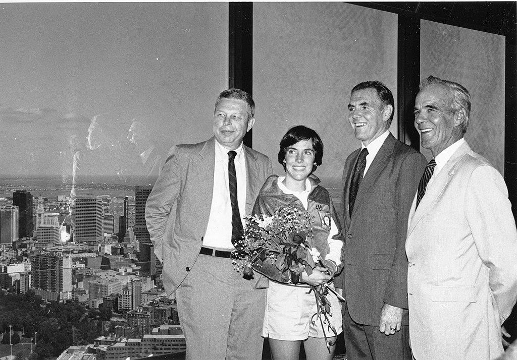 Joan Benoit tras ganar el maraton de 1984   Business Insider Mexico
