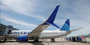 United Airlines es la primera aerolínea en Estados Unidos que exige a todos sus empleados que se vacunen contra el Covid-19