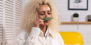 Parosmia: un síntoma que persiste un año después de que contraje Covid-19, todo huele a basura y cebollas— podría durar hasta tres años según un experto