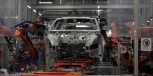 La variante Delta de Covid-19 está golpeando las expectativas la industria automotriz de México por escasez de semiconductores