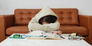 ¿Por qué estoy siempre tan cansado? Estas son las 5 razones más comunes de la fatiga y cómo mejorar tus niveles de energía