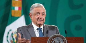 AMLO advierte que podría utilizar recursos del FMI para pagar deuda pública