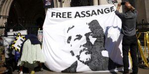 Estados Unidos no cede en sus intentos y trata de extraditar a Assange, creador de WikiLeaks, desde Reino Unido