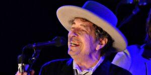 Demandan a Bob Dylan por presunto abuso sexual de una niña de 12 años en 1965