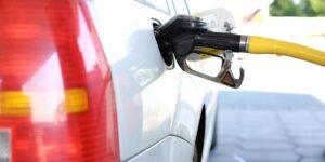 Cofece cita a una empresa de comercialización y transporte de petrolíferos por incurrir en una posible práctica monopólica