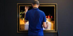 Un museo neerlandés ofrece exposición para discapacitados visuales —recrearon 2 cuadros y añadieron olor y sonido