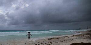 Huracán Grace categoría 1 toca tierra en la Península de Yucatán