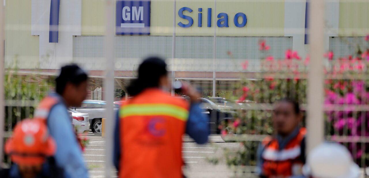 Trabajadores de General Motors votan en CONTRA de su contrato anterior