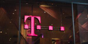 T-Mobile almacenaba datos de personas que habían dejado de ser sus clientes, que fueron los más afectados por un robo de información