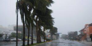 Grace se debilita a tormenta tropical mientras se adentra en México