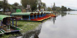 Científicos mexicanos usan energía solar para limpiar el canal de Xochimilco