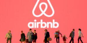 Al menos 20,000 refugiados afganos tendrán albergue temporal con apoyo de Airbnb