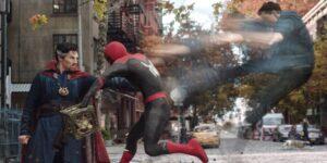 """15 preguntas que tenemos después de ver el tráiler de """"Spider-Man: No Way Home"""" una y otra vez"""