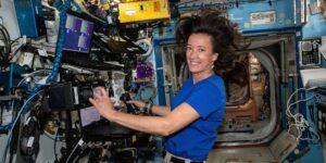La astronauta de la NASA Megan McArthur advierte a los interesados en el turismo espacial: el vuelo espacial es incómodo y arriesgado; se necesitan agallas
