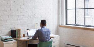 Los emprendedores de éxito comparten 3 características clave según el cofundador de Netflix —una de ellas es saber exactamente cuándo dejar un negocio
