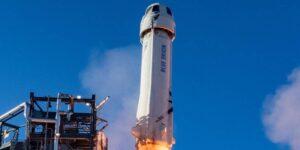 Pronto podrás comprar una réplica del cohete que envió a Jeff Bezos al espacio por solo 69 dólares