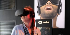 Una usuaria de Facebook gastó más de 400 dólares en un visor Oculus VR y una tableta Portal para recuperar su cuenta que fue desactivada por error