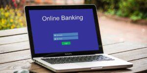 Los bancos en línea son tan seguros como los bancos tradicionales, y es posible que te gusten si te sientes cómodo con la banca digital