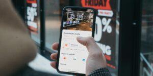 8 de cada 10 personas planean aumentar su gasto a través del comercio conversacional —Facebook da 3 pasos para que las marcas lo aprovechen