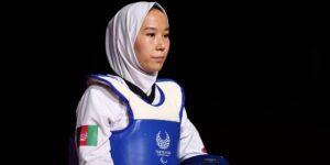 La taekwondista afgana Zakia Khudadadi debuta en los Juegos Paralímpicos tras una evacuación secreta desde Kabul