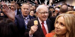 El indicador favorito de Warren Buffett alcanzó 142% —esto apunta a un elevado precio de las acciones y que puede reventar la burbuja