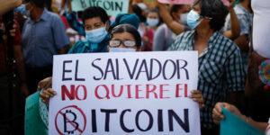 Bitcoin se desploma 17% justo cuando El Salvador adopta a la criptomoneda como moneda legal