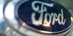 El director del proyecto de automóviles de Apple se va… regresa a trabajar a  Ford