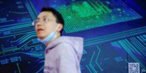 Facebook va por la fabricación de chips para reducir su dependencia de Intel y Qualcomm, igual que Amazon, Apple o Google