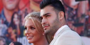 """El prometido de Britney Spears le propuso matrimonio con un anillo de compromiso que tiene grabado su apodo, """"leona"""""""
