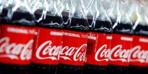 El distribuidor de Coca-Cola en Nueva York no cuenta con suficientes conductores de camiones repartidores, lo que provoca escasez en los suministros