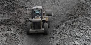 AMLO retrasa operaciones de mineras con escrutinio ambiental más estricto —y eso impacta las operaciones de Grupo México